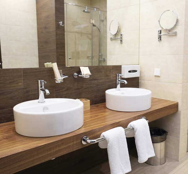 Il nuovo sito Fas Italia dedicato agli accessori bagno per hotel