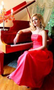 Oksana: Red Piano, foto di Eleonora Chessa