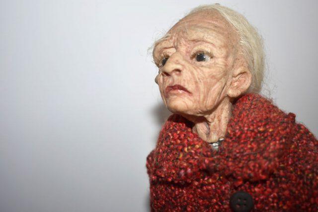 La vecchia donna siciliana vuole essere un pezzo di iper realismo non solo nella tecnica ma anche nell'espressività